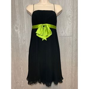 Donna Morgan Pleated Black Swingy Dress Size 2